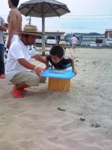 まずはビーチでテイクオフの練習