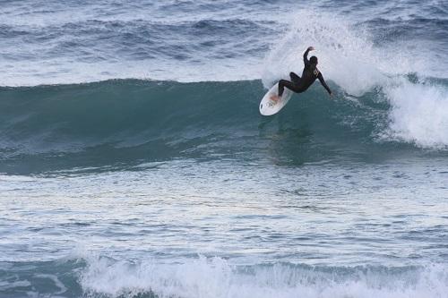 22日の白浜の波